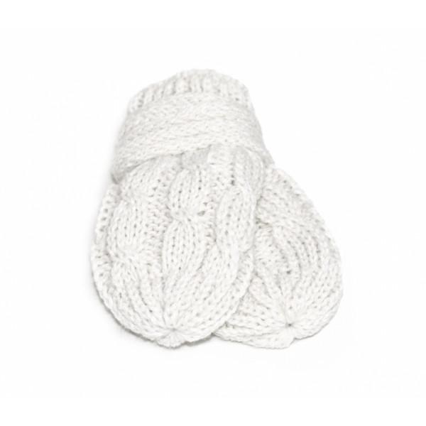 BABY NELLYS Zimné pletené dojčenské rukavičky so vzorom - biele