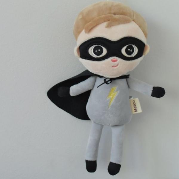 Mini handrová bábika Metoo Super Boy  - sivá